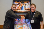 Pinball Expo Chicago: Steve Ritchie und Daniel Schwarz vor dem Game-of-Thrones LE.