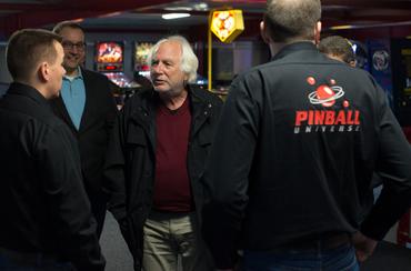 Gary Stern in der PU Arcade Area.