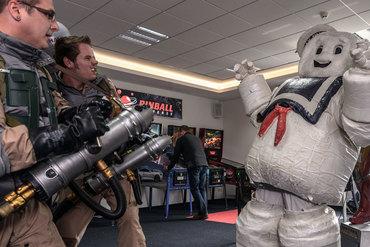 Der Marshmallow Man ist gleich besiegt dank des mutigen Einsatzes der Ghostbusters