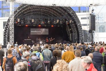 Natürlich gab es überall auch Live-Musik, nicht nur auf der Center Stage