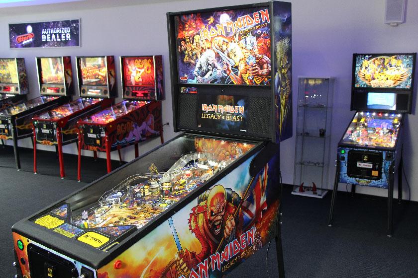 Iron Maiden Pro im Showroom von Pinball Universe